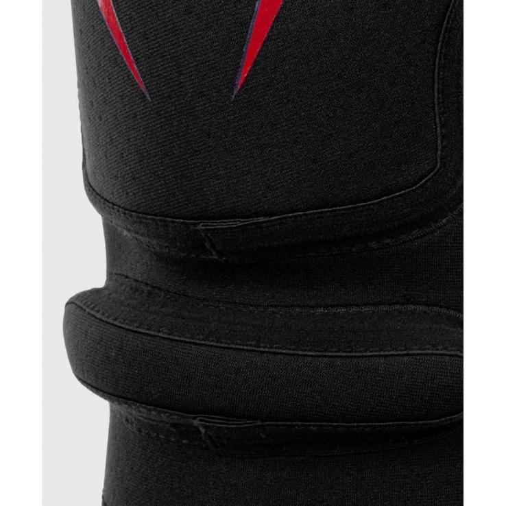 Genouillères Venum Kontact Evo black / red